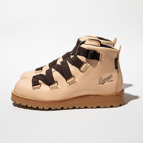 "meanswhile × Danner Mountain ""Harness"""